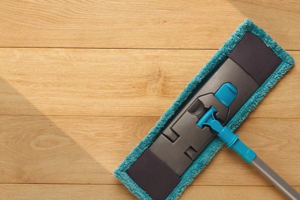 cách vệ sinh sàn nhựa gỗ