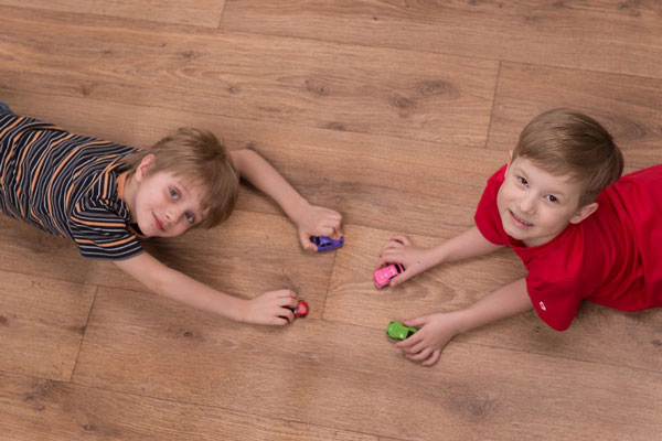 sàn spc có an toàn cho trẻ em không